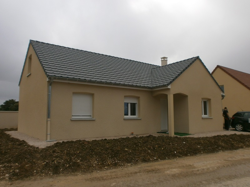 Terrain + maison à Avallon