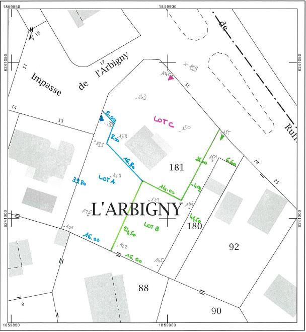 Terrain de 520 m2 à Varois et Chaignot